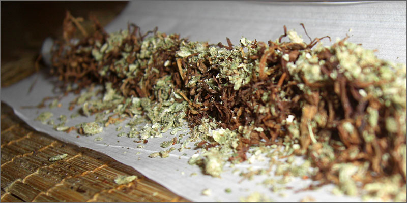10 mixing tobacco and cannabis spliff in paper What Happens To Your Body When You Mix Weed And Tobacco?
