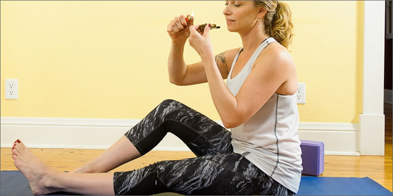 5 reasons why women love weed exercise 3 Ways Cannabis Helps You Tap The Full Potential Of Yoga