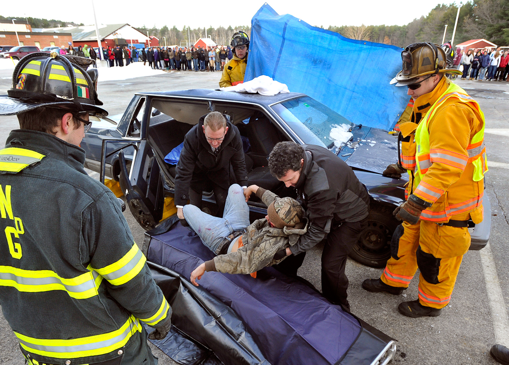 GettyImages 460149142 Majority of Americans think texting and driving is more dangerous than high driving
