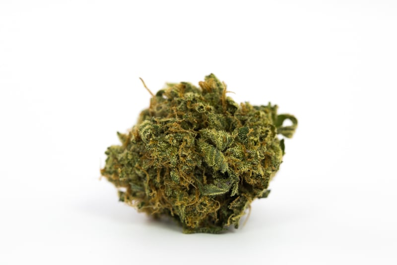 Bubba Kush 1 10 Best Strains to Serve at Your Weed Wedding