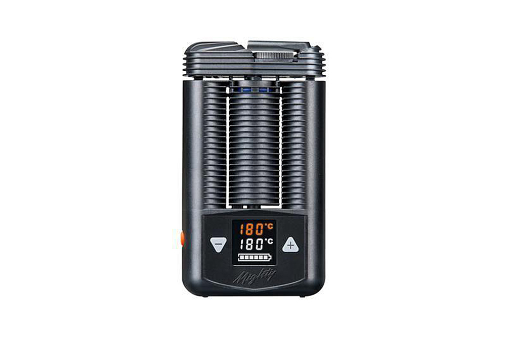 Need To Catch A Quick Charge On The Road? Here Are The 4 Best Vaporizers You Can Charge In Your Car