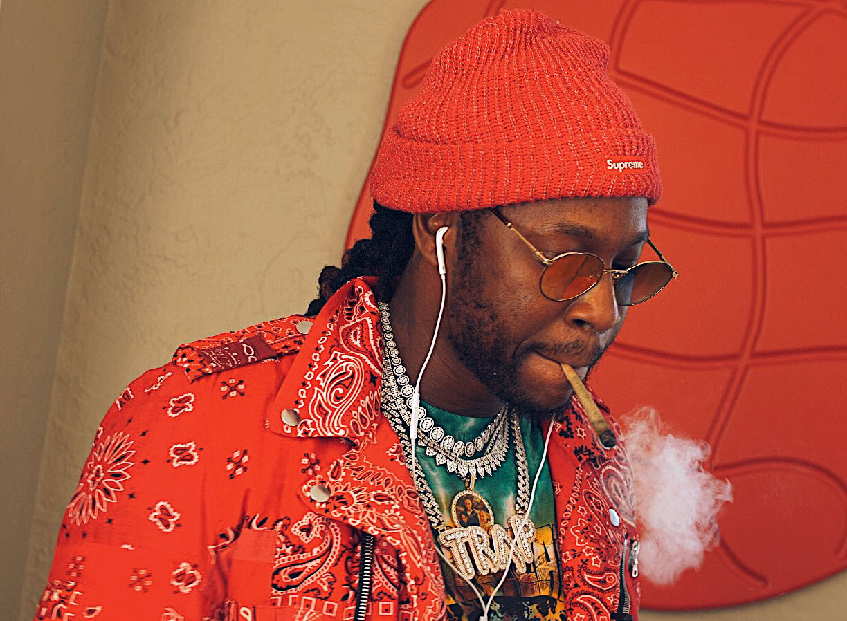 "post-image-We Smoked 2 Chainz Signature Strains ""Gas"" with the Legend Himself 
